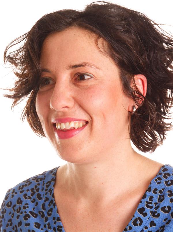 Annie Kok, trainster van de nascholing COVID-19 voor kappers